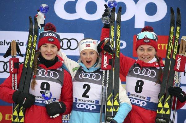 Непряева стала второй в масс-старте на Тур де Ски, Седова - третья