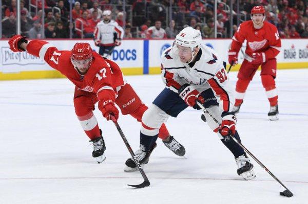 Кузнецов набрал 300-е очко в НХЛ