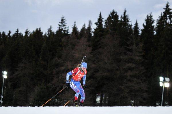 Логинов выиграл спринт на четвертом этапе КМ по биатлону
