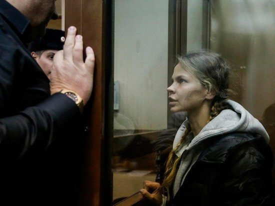 Суд решит судьбу Насти Рыбки через 72 часа