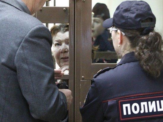 Главбуха, сдавшую Кирилла Серебренникова, тайно привезли в суд