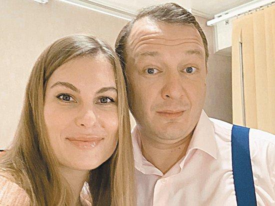 Башаров и его очередная жена развелись через соцсеть