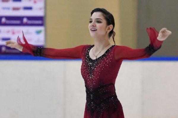 Медведева выиграла короткую программу в финале Кубка России