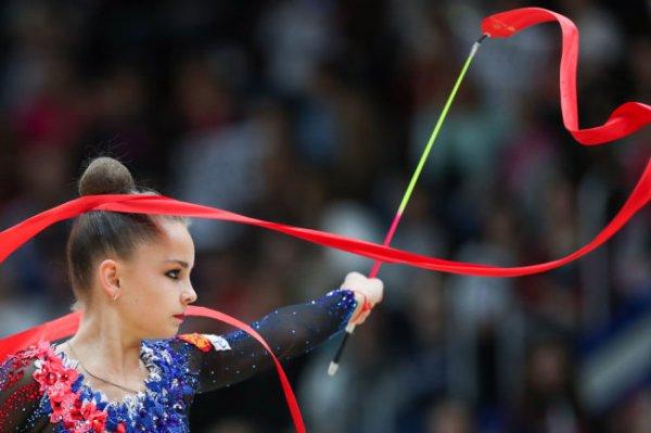 Гимнастка Арина Аверина стала первой в многоборье на этапе Гран-при