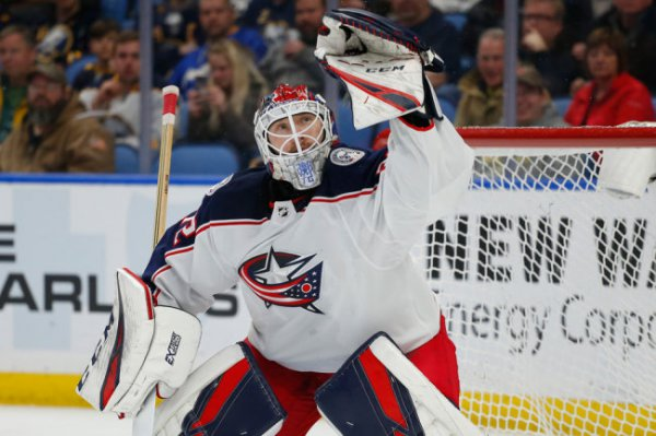 Бобровский признан третьей звездой дня в НХЛ