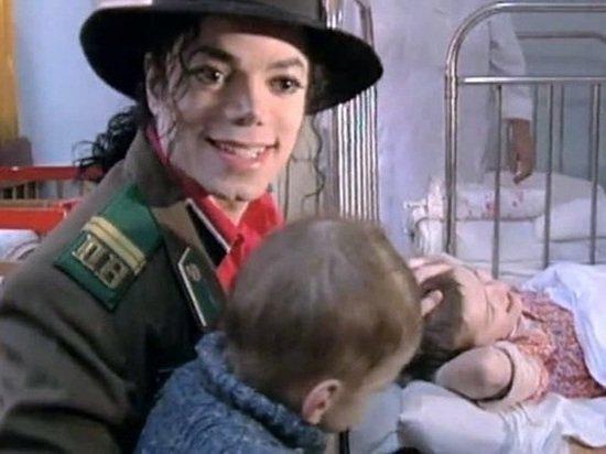 Биограф Майкла Джексона нашел опровержение обвинений в растлении