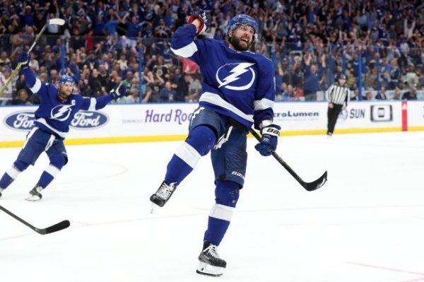 Кучеров побил российский рекорд НХЛ по очкам за сезон