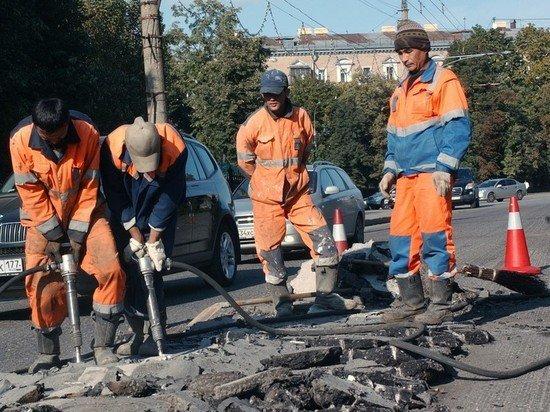 В Госдуме предложили запретить дорожные работы в праздники