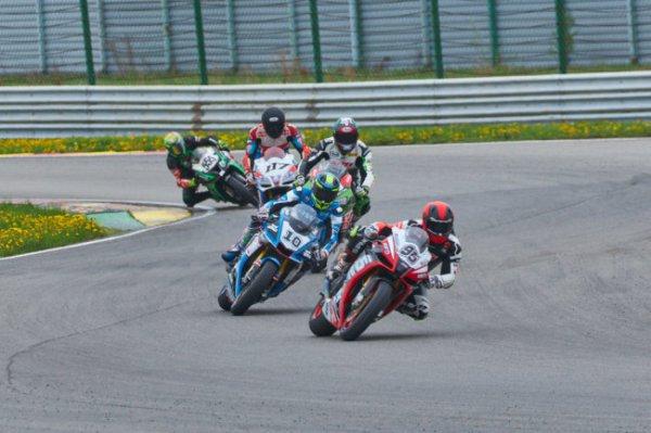 Нижегородские гонщики вошли в пятерку лидеров гонки чемпионата RSBK
