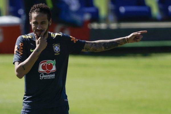 Бразильского футболиста Неймара обвинили в изнасиловании