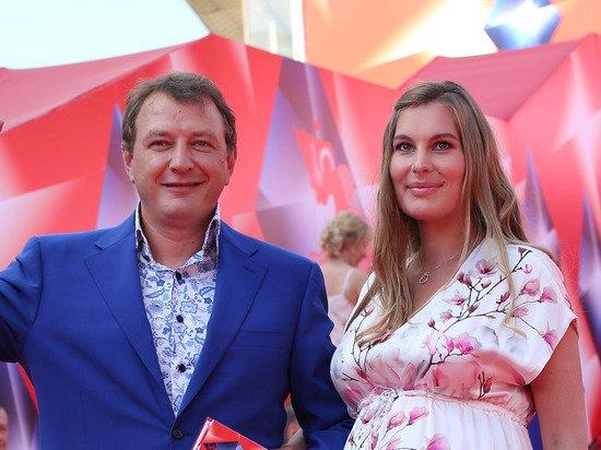 Бывшая жена Башарова покинула Россию: «Билет в один конец»