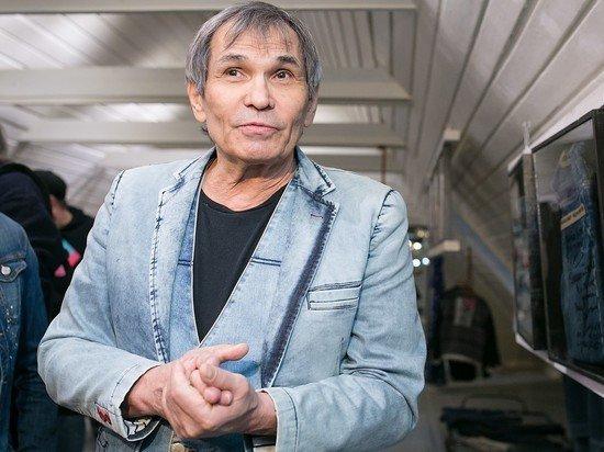 Бари Алибасов госпитализирован после отравления химикатом для труб