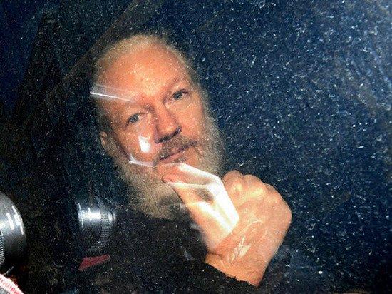 Wikileaks: слушания по делу об экстрадиции Ассанжа в США перенесли