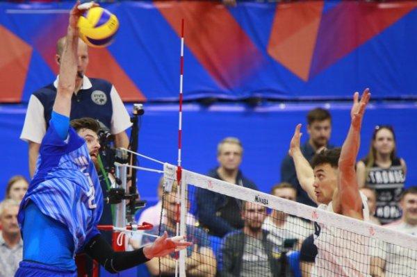 Российские волейболисты обыграли американцев в Лиге наций
