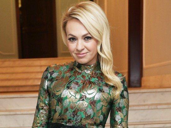 Яна Рудковская вызвала священника из-за потусторонней силы в доме