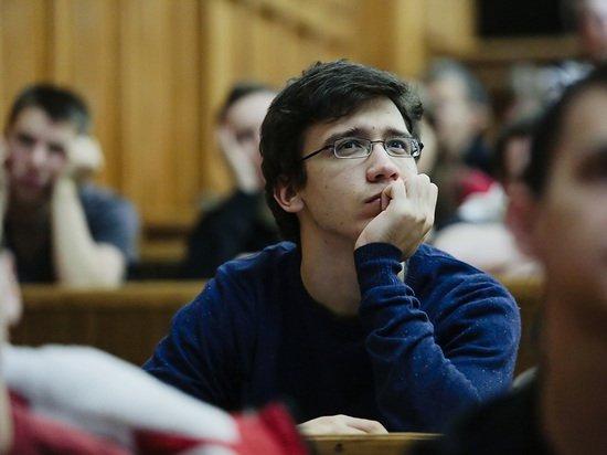 Путин отменил штрафы за гранты для студентов, не вернувшихся в Россию