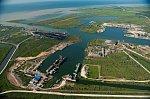 Главгосэкспертиза одобрила строительство нефтебазы в порту Темрюк