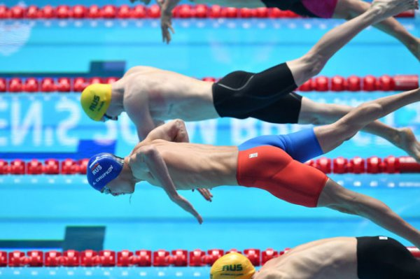 Пловец Чупков выиграл золото чемпионата мира с мировым рекордом