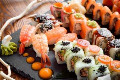 Почему так популярны суши и где их заказать?