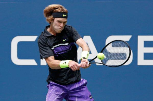 Андрей Рублев обыграл Стефаноса Циципаса в первом матче US Open