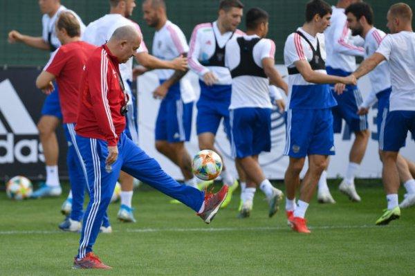 Сборная России по футболу начала готовить к отборочным на Евро-2020