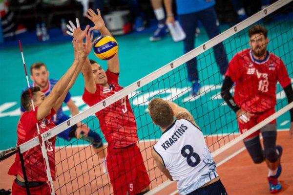 Российские волейболисты поборются со словенцами за победу в группе ЧЕ