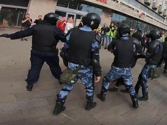 Прокуратура Москвы попросила изменить меру пресечения Павлу Устинову