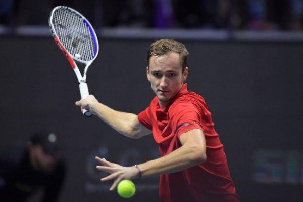 Даниил Медведев стал победителем турнира в Санкт-Петербурге