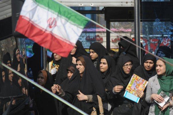 ФИФА проверит, как пускают женщин на стадион в Иране