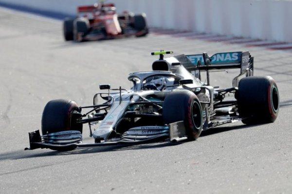 Гонщик Mercedes Льюис Хэмилтон выиграл Гран-при России