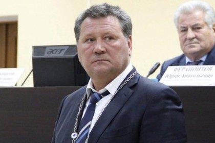 Власти прокомментировали сообщения о самоубийстве российского мэра