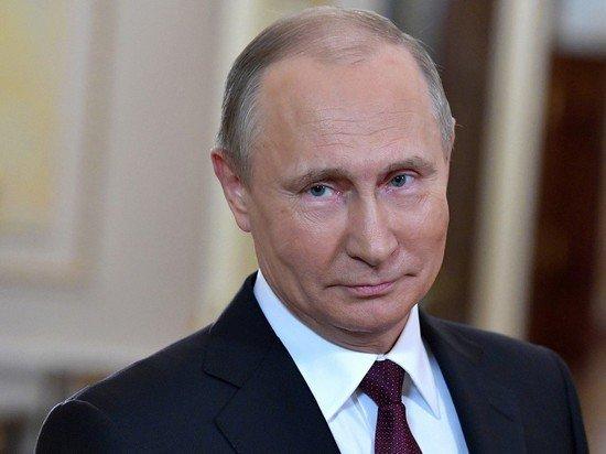 Путин поздравил педагогов с Днем учителя