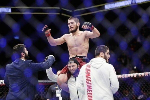 Нурмагомедов намерен провести бой на стадионе