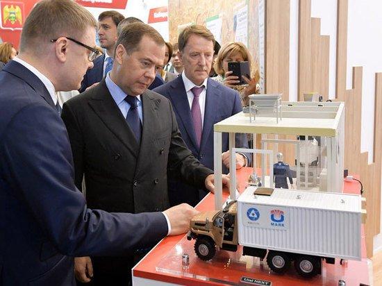 Медведеву показали ленинградскую креветку