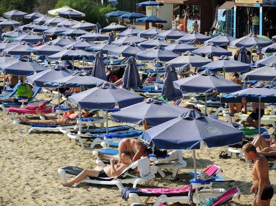 Каждый второй россиянин жертвует отпуском из-за нехватки денег