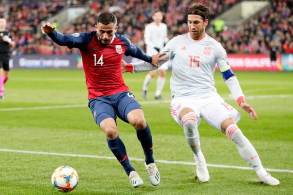 Испанские футболисты упустили победу в матче отбора ЧЕ-2020 с норвежцами