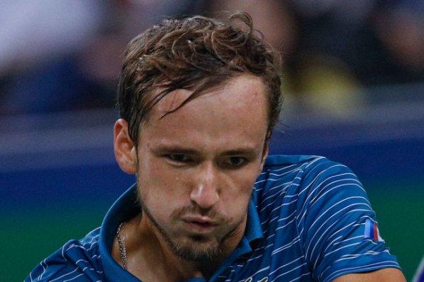Медведев обошел Федерера в чемпионской гонке