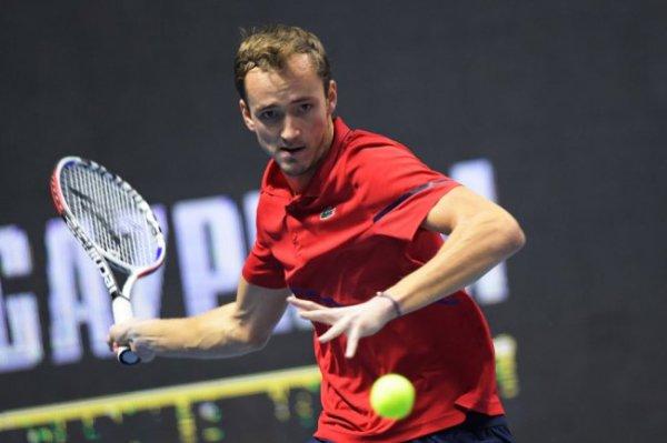 Даниил Медведев снялся с турнира