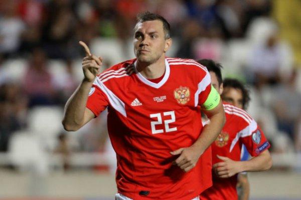 Россия вышла на Евро-2020, а Артем Дзюба продолжает забивать