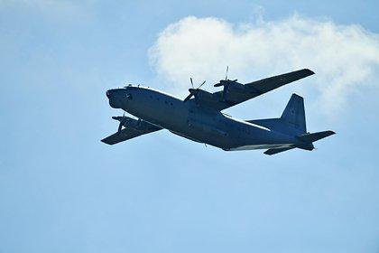 В российском аэропорту военно-транспортный самолет «сел на брюхо»