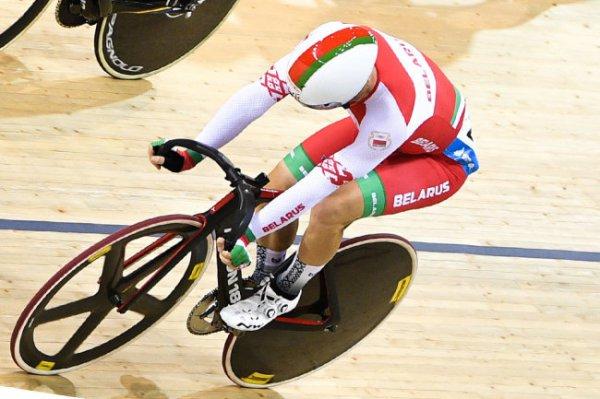 Минск: Евгений Королек выиграл золото на этапе КМ по велоспорту