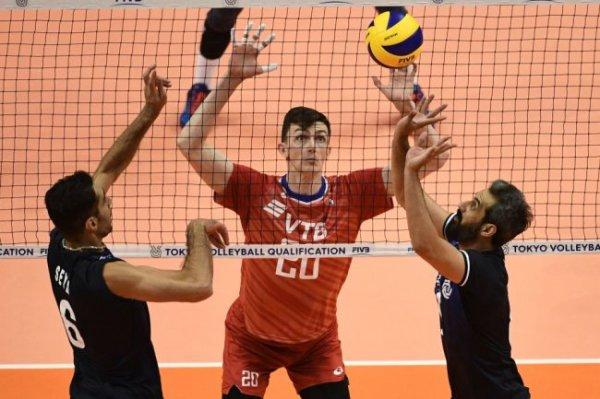 Игрок сборной России объяснил, почему в волейболе голова важнее рук