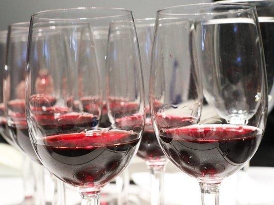 Время продажи вина предлагают продлить до полуночи