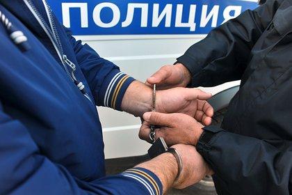 Автомобиль «впечатал» пенсионера в стену на парковке мэрии Москвы