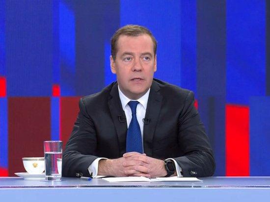 О чем умолчал Медведев: положительных изменений в экономике нет