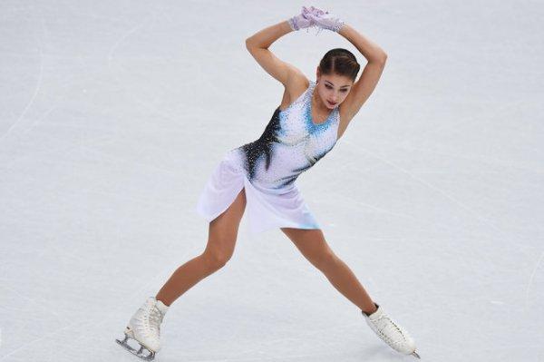Косторная выиграла короткую программу в финале Гран-при