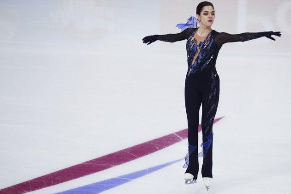 Медведева снялась с чемпионата России по фигурному катанию