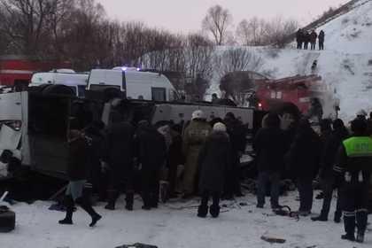 Пассажиры рухнувшего с моста автобуса оказались не застрахованы