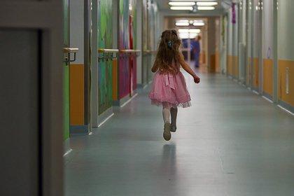 Россиянка продала отданную ей на воспитание подругой девочку