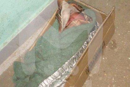 Младенца в коробке нашли на лестнице в Подмосковье